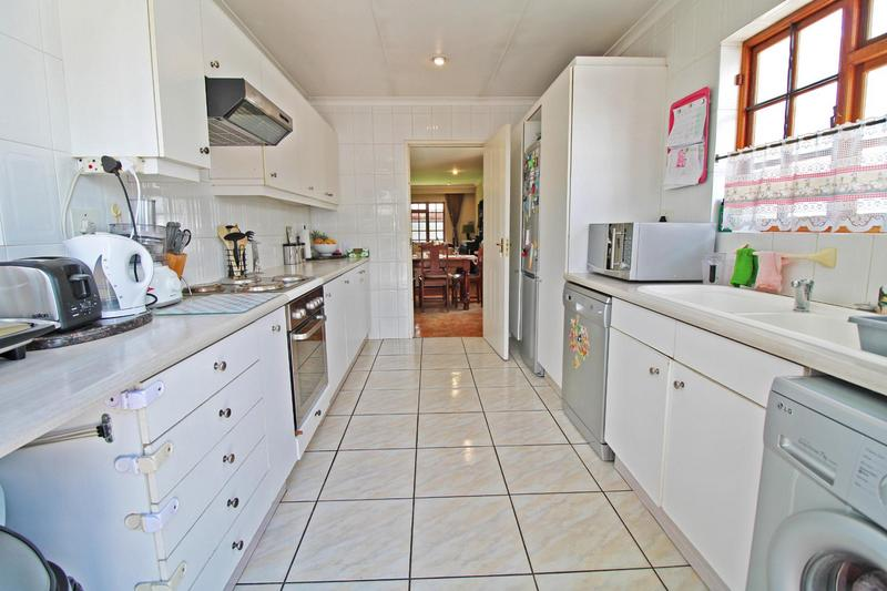 Property For Sale in Lonehill, Sandton 6