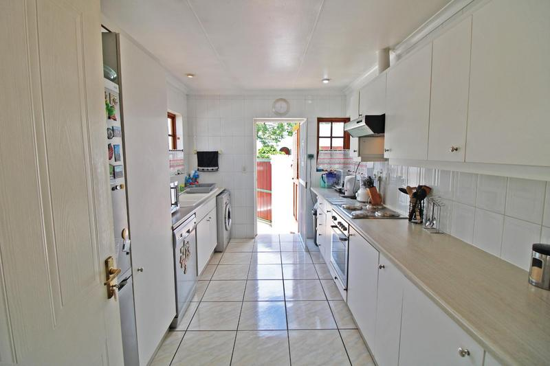 Property For Sale in Lonehill, Sandton 7